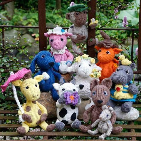 Amazon.com: Amigurumi girlgang crochet pattern,panda,hippo ... | 480x480