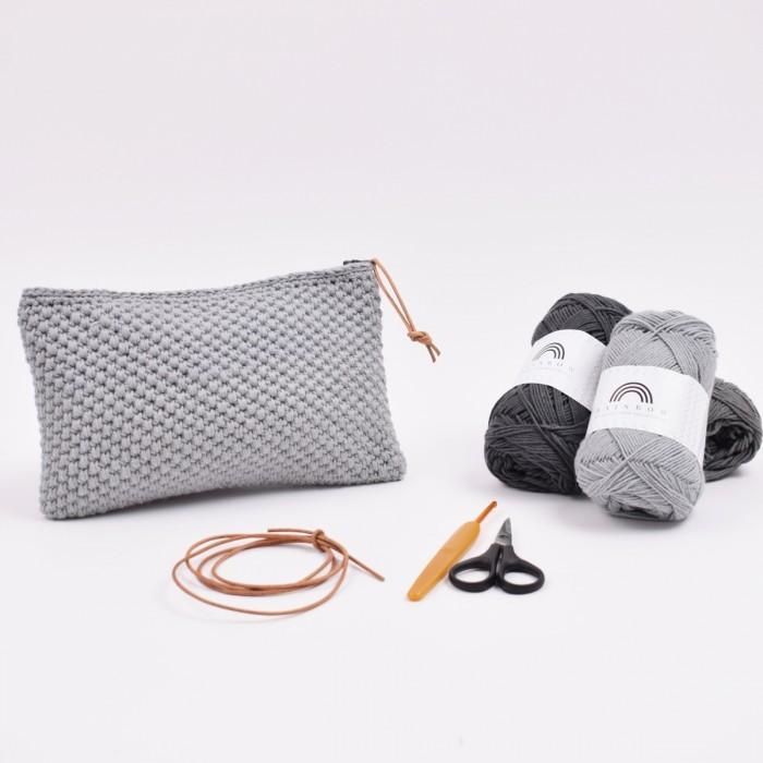 b0eb2c065bc9 Crochet Makeup Bag   Patterns   Hobbii - Hobbii.com