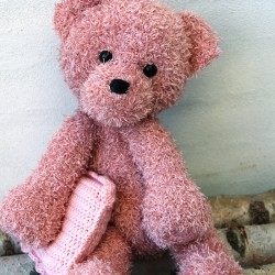 Teddy with blanket and pillow - Trunte Patterns Go Handmade