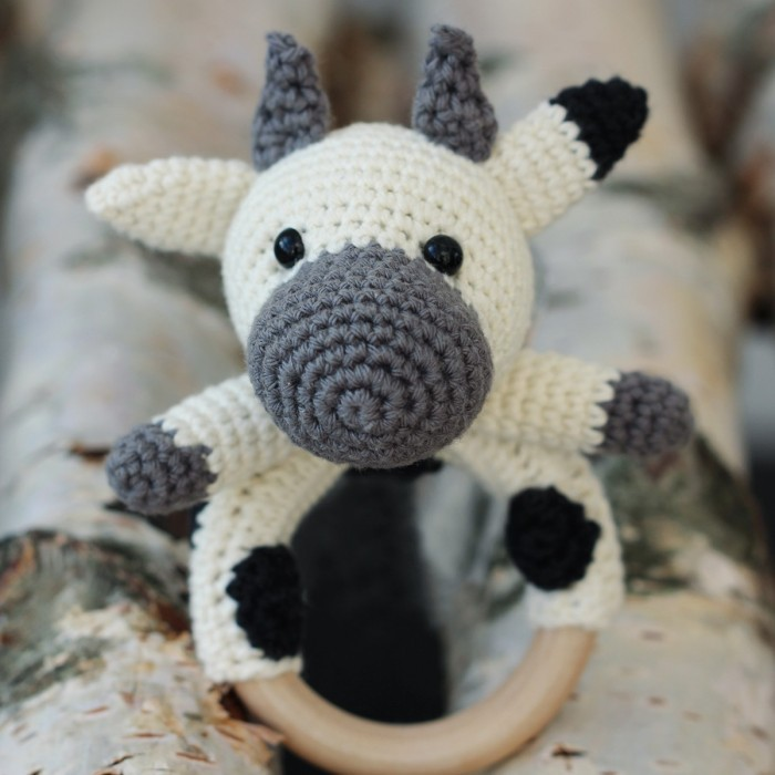 Roundup: 10 Free Crochet Patterns for Cows - CrochetKim™ | 700x700