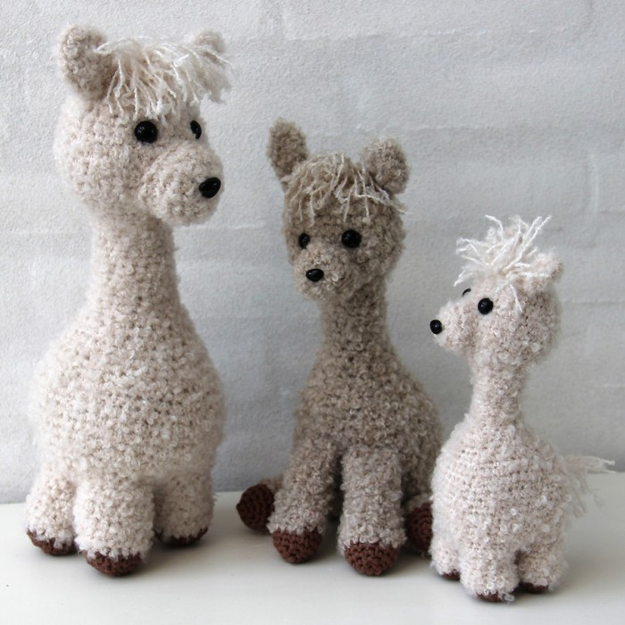 Lola the alpaca amigurumi pattern by Mi fil mi calin | Amigurumi ... | 700x700