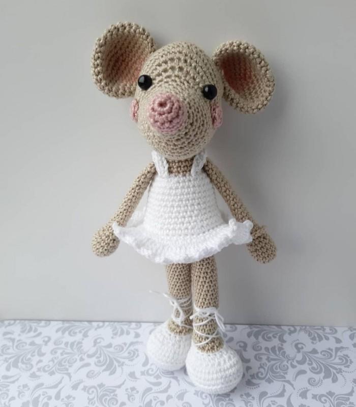 Cat Ballerina Amigurumi Doll - Free Crochet Pattern! - AmVaBe Crochet | 800x700