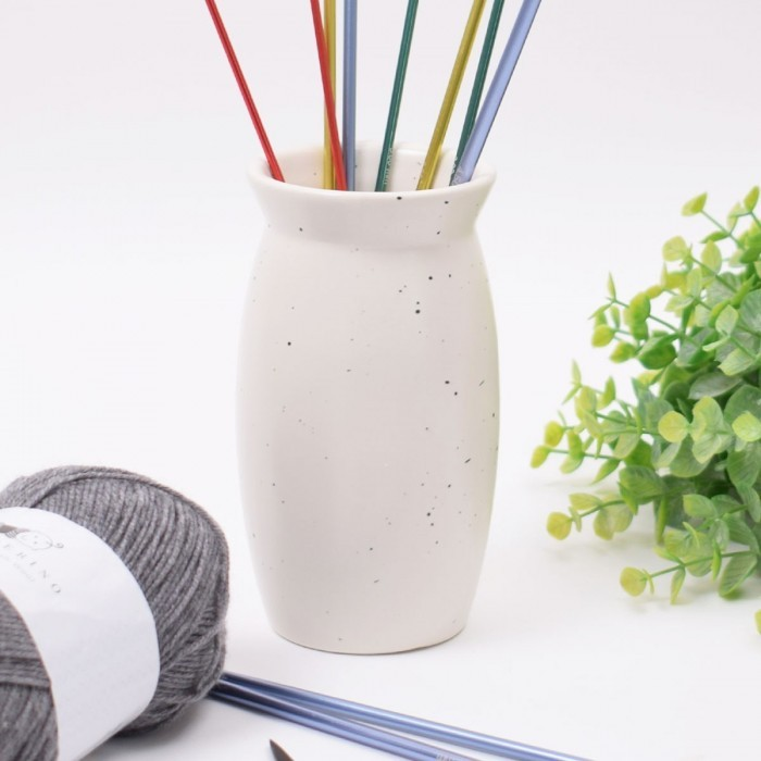 Vase for Knitting Needles Accessory Storage Hobbii