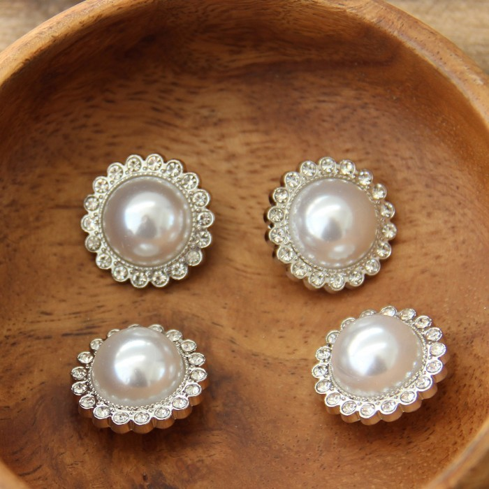 Pearl Buttons with stone - 21 mm - 4 pcs Accessories Go Handmade