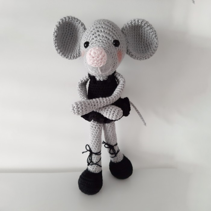 Mickey Crochet Pattern With Video Tutorial – Studio Crafti | 700x700