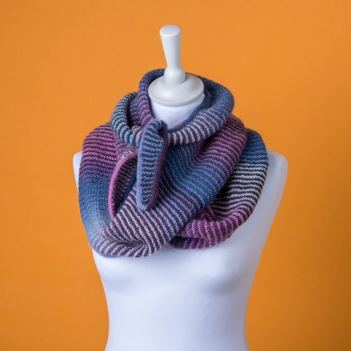 Lyn - Purple Scarf Patterns