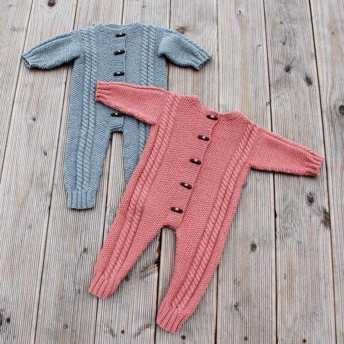 ee6cb8a6bf1 Cosy Baby Køredragt (Strik) | Opskrifter | Go Handmade - Hobbii.dk