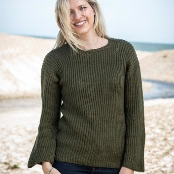 1671 – Sweater in fisherman's rib in Mayflower Easy Care Patterns