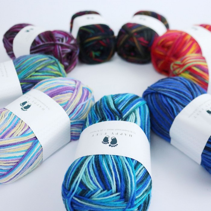 Happy Feet Print Yarn Hobbii