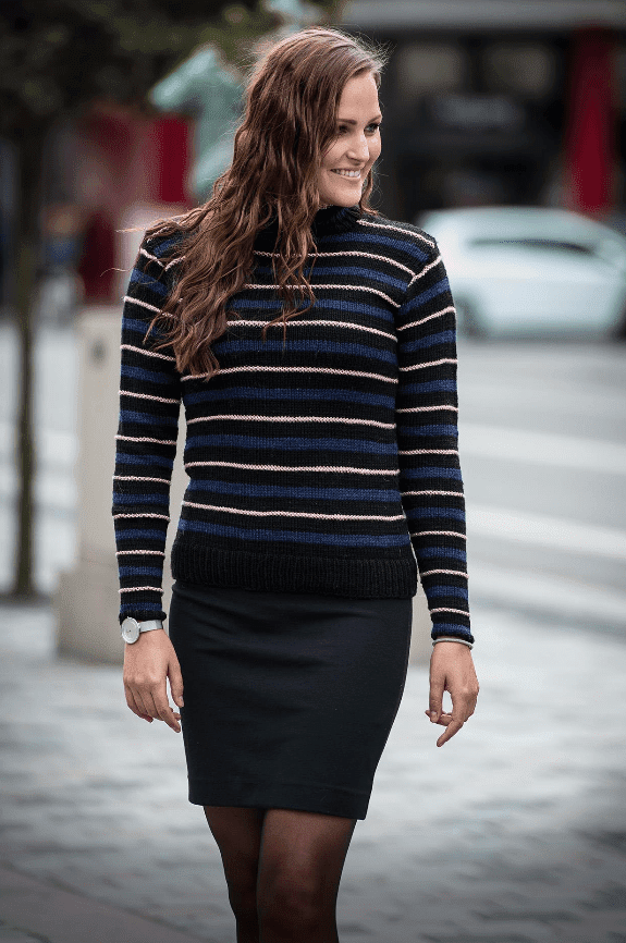 1491 - Tætsiddende stribet sweater Opskrifter Mayflower