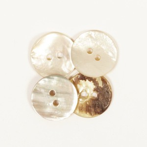 Mother of pearl button w/hole – 521 Accessories